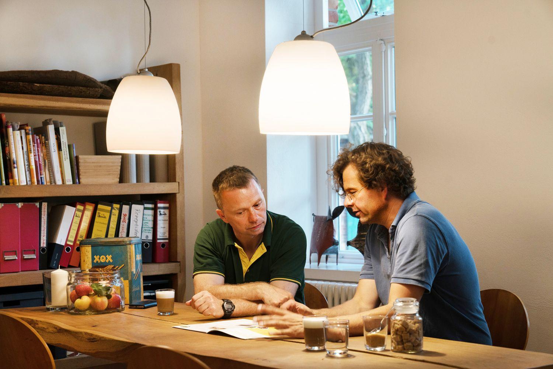 Ein Foto von Marc Sandau-Wietfeldt und KWB-Gebietsleiter Rolf Herfordt